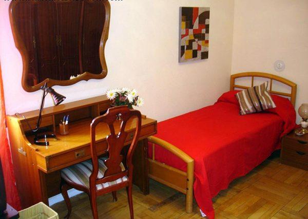 Habitación 2 Guzmán el Bueno 106